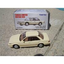 Nissan Maxima 1991 Tomica Limited Vintage 1:64 Hm4