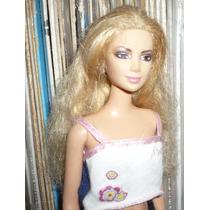 Shakira Barbie Figura