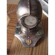 Casquito Tipo Medieval En Lamina, Mide 15 Cm De Alto, Le Fa