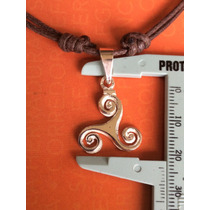 Dije De Trisquel En Plata Fina .925 Con Collar Ajustable Mn4