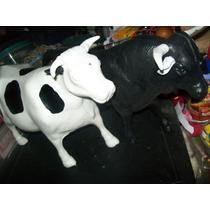 Gcg 1 Lote De Toro Negro Y Vaca Blanca Grandes Plastico Maa