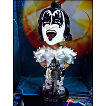 Kiss,gene Simons,boble-head,resina,22 Cm,raro,de Coleccion.