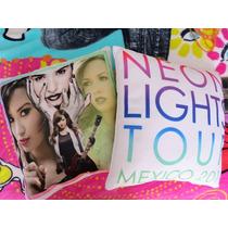 Cojín Demi Lovato Neon Lights Tour México