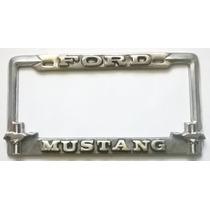 Portaplaca Ford Mustang Con Caballos Y Bandera Emblem, Toma