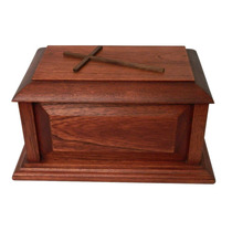 Urna Funeraria Para Cenizas En Fina Madera De Cedro Rojo