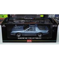 1:18 Chevrolet Camaro Z28 1982 Azul Sunstar American Collec