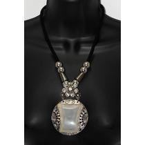 Collar Moda Dije Blanco Grabado Cadena Tela Cristales Cc146