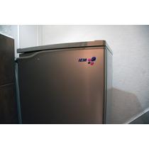 Refrigerador Pequeño Marca Iem Seminuevo