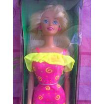 Barbie Ruffle Fun El Vestuario Cambiable Diferentes Maneras