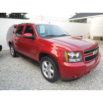 Chevrolet Suburban Paq. C 4x2 2014 Color Cereza
