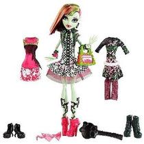 Monster High I Corazón Moda Venus Mcflytrap Doll Set