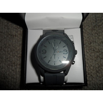 Reloj Marca Unlisted Kenneth Cole Moderno Color Gris Vbf