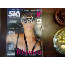 Revista Sky View Rihanna Thalía Hopkins Hitchcock Pitbull