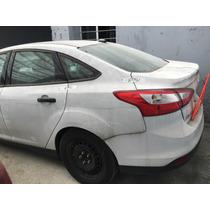 Yonke Ford Focus Sedan 2013 Std Refacciones Partes Huesario