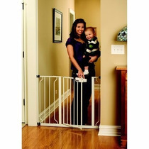 Corral Regalo Easy Step Walk Thru Gate, White, Fits Spaces