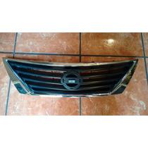 Parrilla Nissan Versa 2012-2014 Original