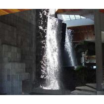 Residencia Con Cascada Monumental De 7 M. Altura Y Alberca
