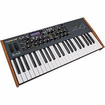 Dave Smith Instruments Mopho X4 Sintetizador 44 Teclas