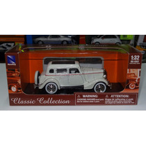 1:32 Ford Deluxe Four Door 1934 Blanco New Ray Carcacha