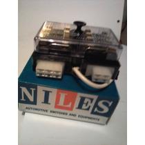 Datsun 51o Caja De Fusibles Nueva Original Niles Japon