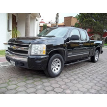 Camioneta Pick Up Chevrolet Silverado 2500 Ls Cabina Y Media