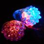 Divertidos Anillos De Colores Con Luz Led Diseño:  Fresa