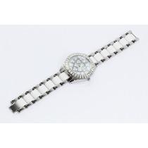 Reloj Plateado Con Cristales En Bisel Detalles Blancos R141