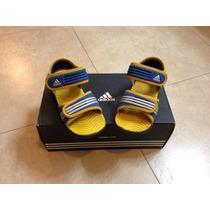 Sandalias Adidas Niño! Talla 6.5k Usa Talla 15cm Usa.