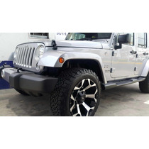 Jeep Wrangler Unlimited Sahara Modificado 2016