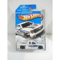 Hot Wheels Camioneta Chevy Silverado Police 164/247 2013