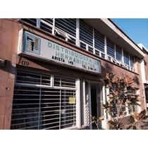 Local Comercial Super Ubicado En El Centro De San Luis Potosí, Cuenta Con Amplio Espacio Para Almacenar, Oficinas, Cubículos, 2 Baños, Protecciones, Ven A Conocerme Soy Lo Que Estas Buscando!!!bri