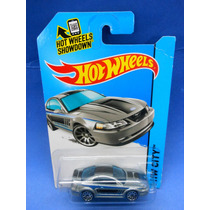 2013 Hot Wheels 1999 Ford Mustang Plata # 96 Hw City
