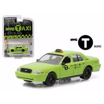 Greenlight Taxi New York City Ford Crown Victoria Real Rider