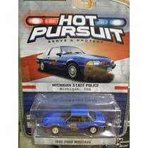 Greenlight Patrulla Ford Mustang 1992. Policia Michigan 1:64