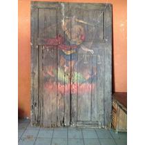 Puerta Antigua Con Pintura De Arcángel.