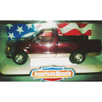 Ford F-150 Xlt 1997 Scale 1:18