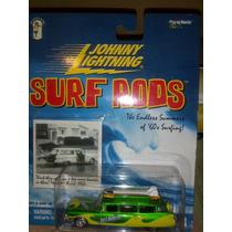 Johnny Lightning Carroza Linea Surf Cadilac Escala 1.64
