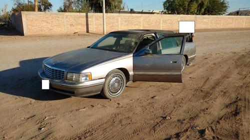 Cadillac Fleetwood 1999