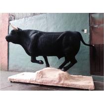 Animales Disecados 100 % Artificiales Toro De Lidia 500 Kgs.