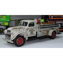 1:16 Chevrolet Medium Duty 1946 Bomberos Highway 61 Collect