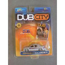 2001 Chevy Avalanche Dub City Jada 1:64 Con Mini Revista