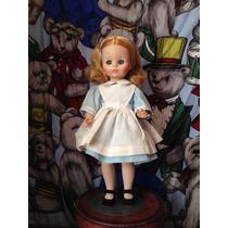 Muñeca Madame Alexander. Alice In Wonderland. 1965. Vintage.