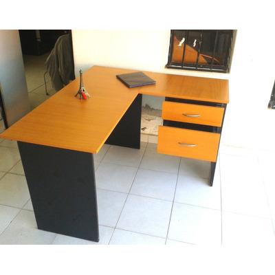 Escritorio en l con 2 cajones muebles de oficina 2200 for Muebles de oficina en l