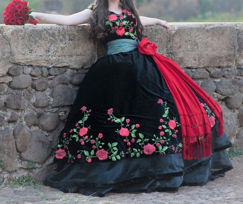 Vestido De Xv Años Mod Mexicano Semi Nuevo De Terciopelo