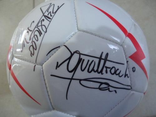 Balon De Futbol Autografiado Por Las Leyendas Del Necaxa 4a55e3f4c0fb7