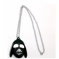 Collar Star Wars Darth Vader Color Negro Y Oro