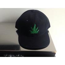 Gorra Con Hoja De Marihuana Cannabbis Mota Hierba