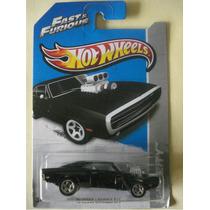 Hot Wheels / Rapido Y Furioso / Charger Negro Escala 1:64