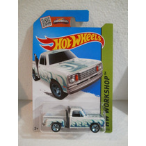 Hot Wheels Camioneta 78 Dodge Blanco 214/250 2015