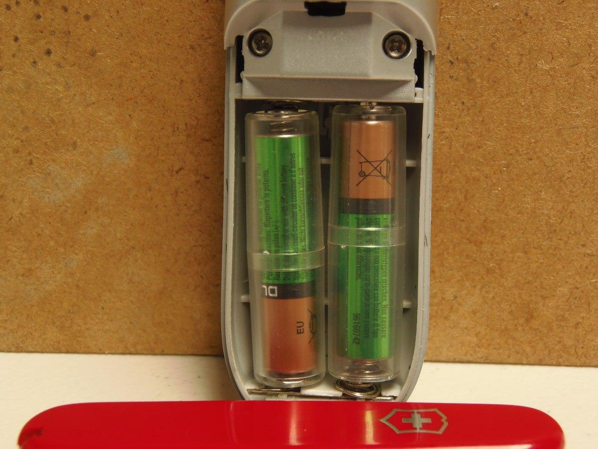 Adaptador convertidor de pilas tama o aaa a tama o aa for Tamanos de pilas